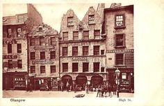 High Street, Glasgow.    1900s view of Glasgow's High Street with lodging houses prominent.