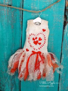 Blythe doll outfit *Fairy Queen of hearts* -OOAK vintage embroidered dress