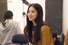 Find images and videos about loona, heejin and jeon heejin on We Heart It - the app to get lost in what you love. South Korean Girls, Korean Girl Groups, Brave Girl, Ulzzang Girl, Ulzzang Couple, Korean Beauty, Girl Crushes, Kpop Girls, My Girl