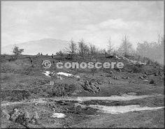 febbraio 1945 le truppe prima di una battaglia compagnia del 85 reggimento si muove fuori attraverso una cresta sul monte belvedere