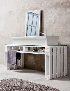 mesa palés en el baño                                                                                                                                                      Más