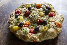 #tapas #leipä #bread #olive #tomato #recipe Tomato Recipe, Vegetable Pizza, Tapas, Bread, Vegetables, Recipes, Food, Brot, Essen