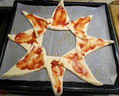 Pizzový veniec so šunkou (fotorecept) - obrázok 5 Hawaiian Pizza, Pepperoni, Food, Basket, Essen, Meals, Yemek, Eten
