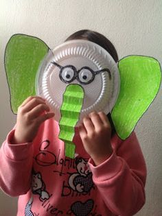 Cute to make for Horton Hears a. Dr Seuss Activities, Book Activities, Paper Plate Crafts, Paper Plates, Dr Seuss Week, Dr Suess, Horton Hears A Who, Mo Willems, Daycare Crafts