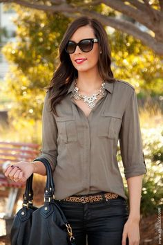 Style Sessions: Fashion Link Up - Military Chic + Leopard Love by Style Elixir/ Love the necklace and shirt Look Fashion, Womens Fashion, Fashion Trends, Fashion Beauty, Military Chic, Moda Chic, Mein Style, Look Cool, Casual Chic