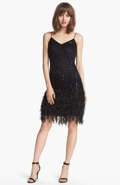The perfect dress for a Roaring Gatsby party idées robe années 20 1920s Women's Clothing, 1920s Fashion Dresses, Flapper Dresses, Party Dresses, Roaring 20s Fashion, Great Gatsby Fashion, Roaring Twenties, Belle Epoque, V Neck Dress