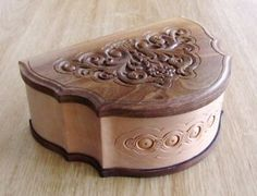 ARMENIAN HAND MADE CARVED WOOD WOODEN CASKET JEWELRY BOX