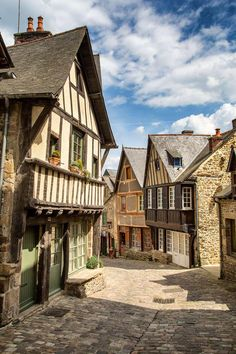 Dinan, within the Côtes-d'Armor division in northwestern France - - Architecture Medieval Houses, Medieval Town, Belle France, Fantasy City, Visit France, Architecture Old, Old Buildings, City Streets, France Travel