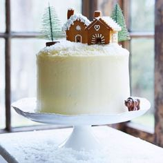 #cake#christmascake#christmas#gingerbead#gingerbreadhouse#house#frostingsnow#christmastree#tree#jul#juletre#kake#julekake#pepperkake#snø#melis# Photo: Sainsburymagazine.co.uk