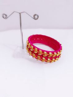 Handmade Silk Thread Bangles embellished with high quality kundan stones and Gold colour beads. Kundan Bangles, Silk Thread Bangles, Thread Jewellery, Handmade Jewellery, Thread Bangles Design, Silk Thread Necklace, Silk Art, Thread Art, Gold Colour