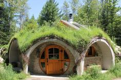 10 Affordable and Earth-Friendly Alternatives to Living in a Traditional House Earthship, Casa Dos Hobbits, Glamping, Green Magic Homes, Earth Sheltered Homes, Underground Homes, Earth Homes, Traditional House, The Hobbit