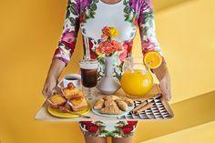 Food, empanadas, cupcakes, coffee, breakfast. Photographer: Esteban brocos Production: BrocosFoto Editorial.