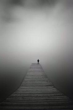 Zu merken das man seelisch alleine ist obwohl es soviele gute menschen in seinem umfeld hat macht einem noch einsamer