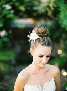 wedding hair bun with flower