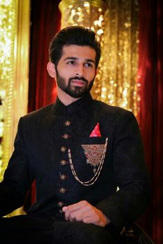 Ooooo i Am Speechless Wedding Dresses Men Indian, Wedding Dress Men, Wedding Suits, Indian Groom Wear, Groom Poses, Boys Dpz, Sherwani, Handsome Boys, Hussain Asif