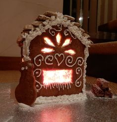 Baking Tutorial: Gingerbread houses
