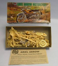 Airfix Plastic Model Kit 1:16 Scale: Ariel Arrow Motorcycle