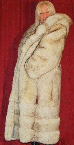 Fox Fur Coat, Great Women, Lady, Jackets, Fashion Guide, Fur Fashion, Collection, Furs, Dresses