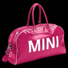 MINI Duffle Bag, Berry: Im Retro-Look mit MINI Schriftzug auf beiden Seiten.      Innenfutter in Rot, mit Reißverschlussfach, abnehmbarer Schulterriemen, 59 cm x 17 cm x 33 cm