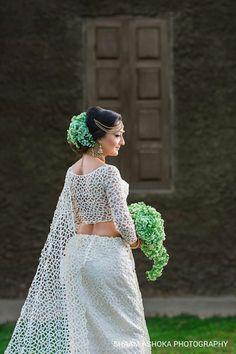 Anjula Rajapaksha Bridal Sari, Bridal Wedding Dresses, Bridal Style, Saree Jacket Designs, Wedding Saree Blouse Designs, Bridesmaid Saree, Bridesmaids, Sri Lankan Wedding Saree, White Saree Wedding