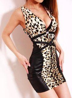 Leopard Chic Slim Leopard V-neckline Dress