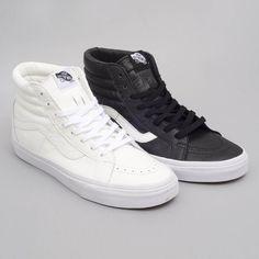 Vans Sk8-Hi Reissue. Réception des nouvelles Vans au shop. @vans @vansskate @vans_europe #vans #skateboard #skateboarding #shoes sneaker #sneakers #sneakerhead #sneakerholics #sneakerporn #sneakernews #kicks #kicksonfire #kickstagram