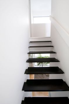 Stunning Flying Staircase Design Also Corridor Designs Idea Plus Black Color With White | Visit http://www.suomenlvis.fi/
