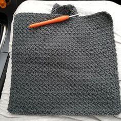 Hæklede karklude i mønter grums nemt hækle 1stg,1fm det er mønstret som hedder gru strate med 1 og sidste række med kun fm Crochet Books, Crochet Home, Knit Crochet, Crochet Blankets, Summer Diy, Chrochet, Household Items, Crochet Projects, Hobbit