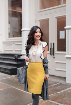 colorful winter work outfit for a business casual office // outfits that transition from work to dinner Winter Maternity Outfits, Winter Outfits For Work, Winter Outfits Women, Winter Fashion Outfits, Work Fashion, Work Outfits, Winter Professional Outfits, Dinner Outfits, Office Fashion