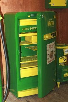 John Deere fridge I want this! John Deere Crafts, John Deere Decor, Refrigerator Makeover, Best Refrigerator, Vintage Fridge, Vintage Refrigerator, Jd Tractors, John Deere Tractors, Man Cave Fridges