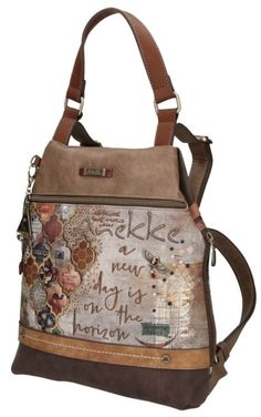 Anekke Practical Backpack Egypt with Arabescos Motif - This Anekke backpack for leisure activities as well as for travel experiences is beautifully embroidered. Egypt Culture, Egypt Fashion, Visit Egypt, Backpacking, Messenger Bag, Satchel, Women's Handbags, Leather, Cities