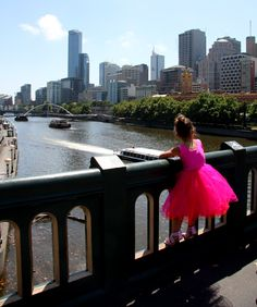 Pretty in pink, and Melbourne is also beautiful. View up the Yarra towards the CBD.
