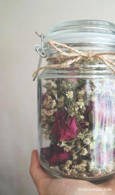 Bloemen gekregen of gekocht? Niet weggooien! Bekijk 10 leuke gedroogde bloemen…