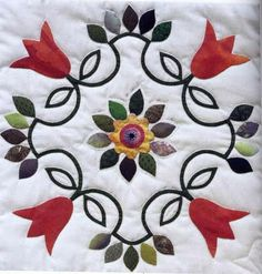 cojin | Manualidades Gratis Applique Patterns, Applique Quilts, Applique Designs, Quilt Patterns, Quilting Projects, Quilting Designs, Bordado Floral, Hand Embroidery Flowers, Flower Quilts