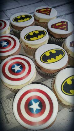 Superheroes cupcakes