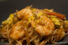 #Rice #spaghetti with #vegetables and #shrimps