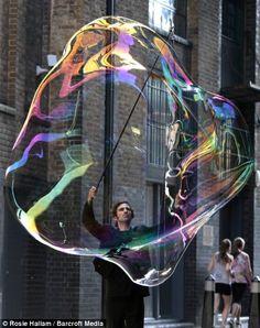 SamSam the Bubbleman. Very impressive #soap #bubble! | From @GuessQuest collection