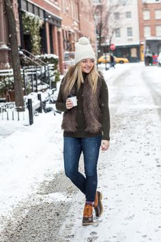 ☞❤ Top sperry duck boots outfit fall jeans - Any astute woman will be extremely cognizant about her look, really. Indeed, with regards to winter footwear decision, fastidious decision is extremely vital. Bean Boots Outfit, Winter Boots Outfits, Classy Winter Outfits, Sweater Outfits, Fall Outfits, Casual Outfits, Outfit Winter, Boot Outfits, Outfit