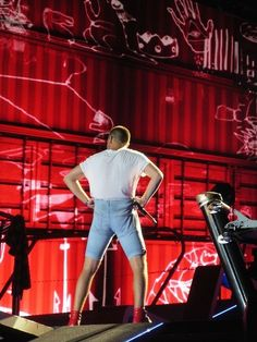 There is every Liam pant tug. | 46 Life-Changing Things That Happen At A One Direction Concert