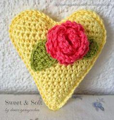Corazones a crochet para San Valentin | Aprender manualidades es facilisimo.com  http://dghlamagiadelcrochet.blogspot.ch/