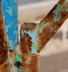 DSC WEBN0001780 7 9893 roest rust ijzer afgebladerde verf blauw oxidatie.jpg