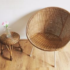 Retro, rattan 1960's Atomic wicker chair / Chaise vintage Osier et metal. €169