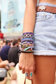 I freaking love stackable bracelets. They are so cute and careless looking at the same time!