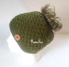 Handmade Green Messy Bun Hat Olive Beanie Wood Button Runner Pony Tail Teens Women