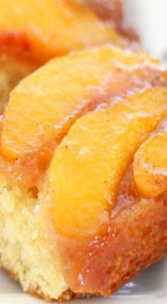 My mouth is totally watering for some Peach Upside-Down Cake! I just want to eat all of Jocelyn's delicious peach recipes. Fruit Recipes, Cake Recipes, Dessert Recipes, Cooking Recipes, Just Desserts, Delicious Desserts, Yummy Food, Tasty, Mini Cakes
