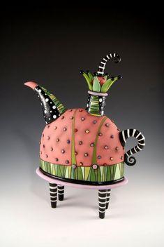 The Amazing Ceramics Of Natalya Sots Pottery Teapots, Ceramic Teapots, Ceramic Pottery, Pottery Art, Ceramic Art, Ceramic Decor, Cerámica Ideas, Teapots Unique, Vintage Teapots