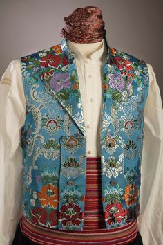 CHALECOS - Ofrena. Indumentaria Regional Folk Costume, Costumes, The Painted Veil, Folk Clothing, Fashion Outfits, Mens Fashion, Mens Clothing Styles, Summer Collection, Double Breasted