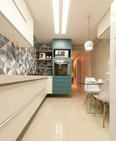 Alguém me explica esse revestimento maravideuso nesta cozinha? Amor realoficial por ela todinha! Projeto: Autor Desconhecido.