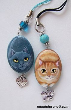 I should have just given my roommate some cat jewelry! Pebble Painting, Tole Painting, Pebble Art, Rock Jewelry, Cat Jewelry, Jewellery, Painted Rock Animals, Painted Rocks, Hand Painted