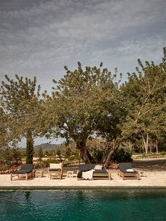 Snore Magazine by muun - We found the cozier side of Ibiza. No touristy spots, just relaxation by the pool at La Granja by Design Hotels. Menorca, Piscina Interior, Unique Gardens, Garden Pool, Island Life, Tulum, Decks, Landscape Design, Outdoor Living